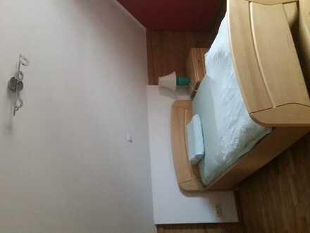 Möbliertes Zimmer * Erstbezug