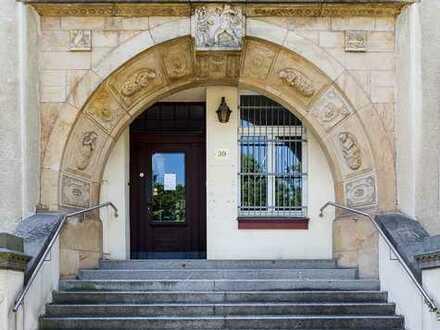 Jugenstil-Villa zur gewerblichen Nutzung mit Stellplätzen u.v.m.