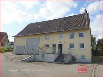 Ehemaliges Bauernhaus mit Scheune/Ökonomieteil