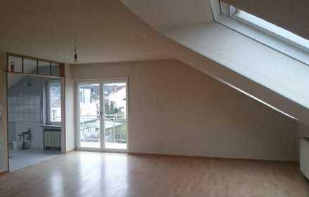 Modernisierte 4-Zimmer-Dachgeschosswohnung mit Balkon in Koblenz-Karthause