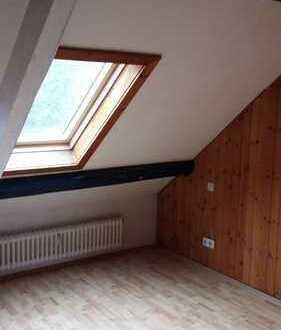 schöne 3 Zimmer Wohnung in zentraler Lage zu vermieten