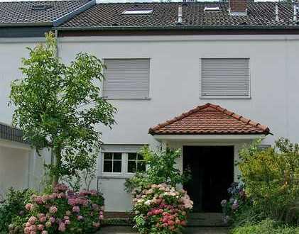 POCHERT HAUSVERWALTUNG - Sehr schönes Wohnhaus in bevorzugter Wohnlage
