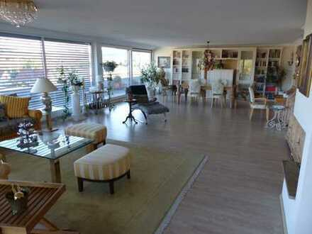 BURGER IMMOBILIE...! Penthouse in Endersbach, besondere Ausstattung, möbliert, große Terrasse.
