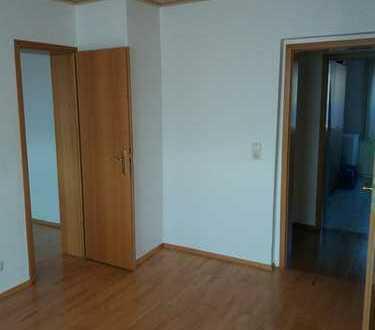 Großzügige 7 Zimmerwohnung im schönen Saaletal nahe Halle (Saale) zu verkaufen