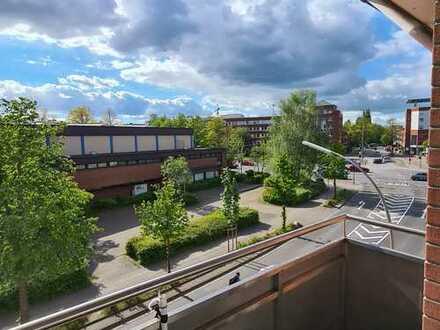 Wandsbek Markt renovierte 3-Zimmer-Wohnung mit Balkon und Einbauküche in Hamburg-Schädlerstraße