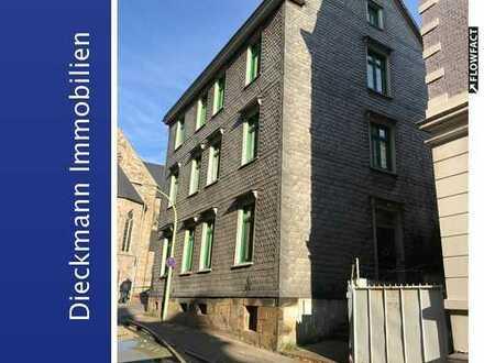Historisches Mehrfamilienhaus mit guter Infrastruktur!