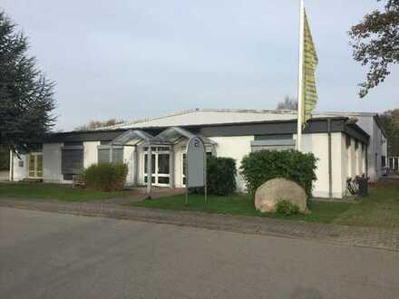 Vollvermietete Gewerbehalle mit Grundstück in 23758 Oldenburg zu verkaufen