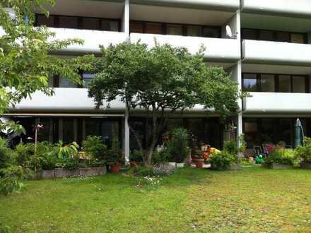 geräumige Wohnung mit Süd-Balkon