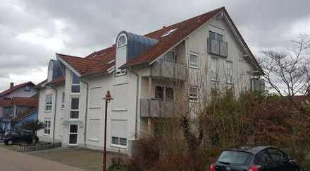 Exklusive, modernisierte 1,5-Zimmer-DG-Wohnung mit Balkon und Einbauküche in Rauenberg