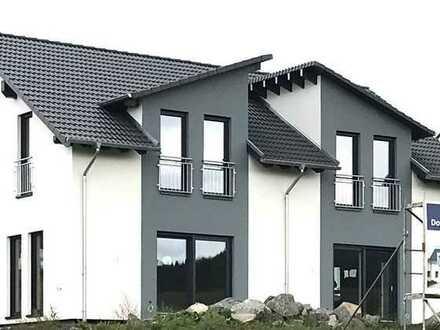 Doppelhaushälfte - bezugsfertig mit Grundstück