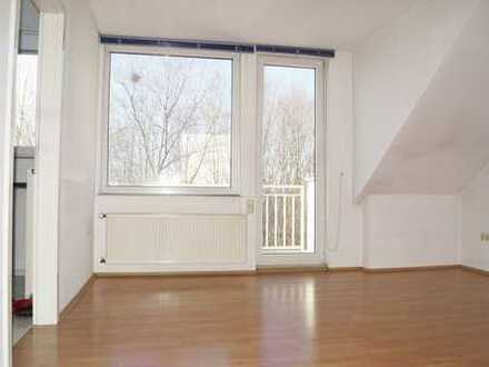 Top 3 Raumwohnung mit großen Balkon,Gäste WC und Einbauküche