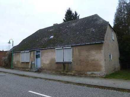 Ein-/Zweifamilienhaus (Abriss) mit angebauter Garage
