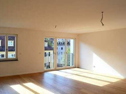 Heller Neubau an der Isar/4-Zimmerwohnung+2 Balkone+Küche+Lift