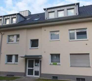 Top sanierte 2-Zimmer-Wohnung mit Balkon!