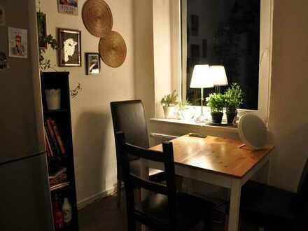 Teilmöbiliertes kleines Zimmer in 2er-WG, schönster Fleck in Hof, zentrale Lage