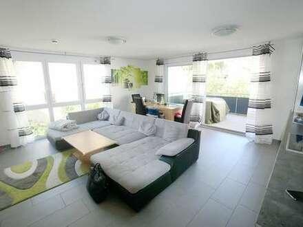 Modern und hell mit Einbauküche, großem Balkon und 2 TG-Plätzen*zentrale&ruhige Lage*