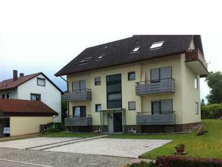 Gepflegte Dachgeschosswohnung mit zwei Zimmern sowie Balkon und EBK in Bad Herrenalb