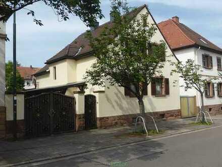 Attraktives Einfamilienhaus in begehrter Lage von Bad Dürkheim-Stadtzentrum!