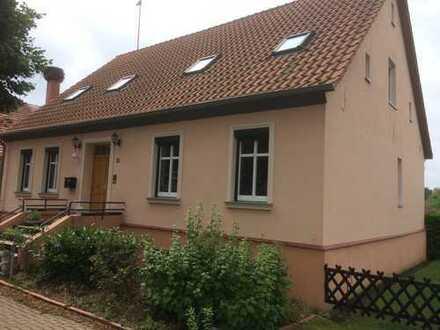 Bild_Vollständig renovierte 3,5-Zimmer-Hochparterre-Wohnung mit EBK in Oberkrämer