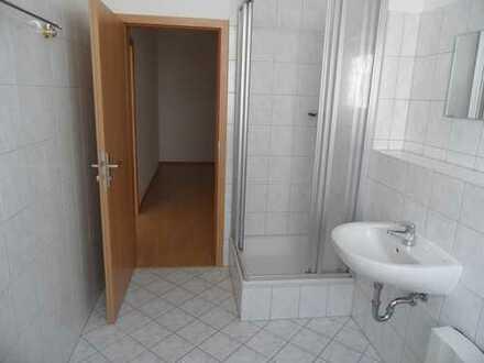 1-Zimmer-Wohnung, Zentrum-SO, 28m² Wohnzimmer mit 3 Fenstern - TLB mit Dusche - ab sofort