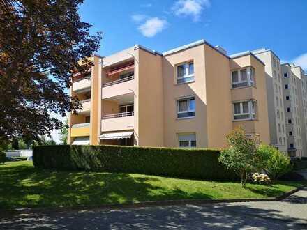 Stilvolle, sanierte 2-Zimmer-Wohnung mit Balkon in Pforzheim Haidach