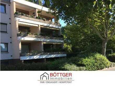 BÖTTGER bietet: Gut geschnittene, helle 3-Zimmerwohnung mit Loggia und Balkon