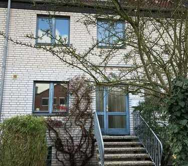 Schönes, geräumiges Reihenmittelhaus mit 5 Zimmern in Neustadt am Rübenberge, OT Poggenhagen
