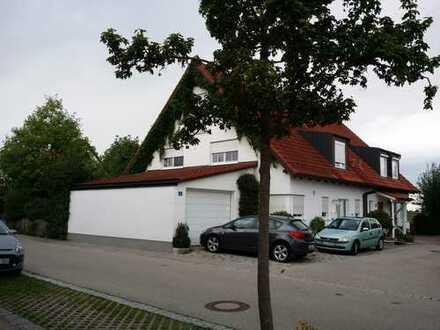 Sehr schönes Haus mit fünf Zimmer und 3 Badezimmer in Kaufering (Landsberg am Lech)