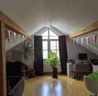 Gepflegte 3-Raum-Wohnung mit Balkon und Einbauküche in Germaringen