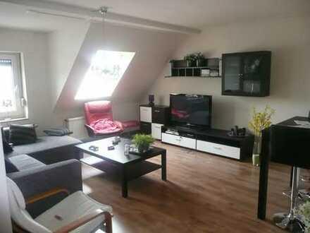 Vollständig renovierte 2,5-Zimmer-DG-Wohnung mit Balkon und Einbauküche in Isselburg