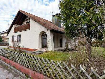 Freistehendes Einfamilienhaus mit Einliegerwohnung und viel Grund Nähe München!