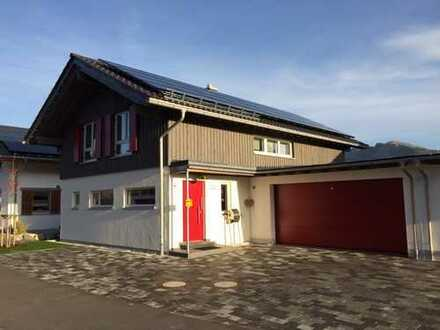 Haus mit Garten, großem Balkon, Garage und Stellplatz im Allgäu zu vermieten