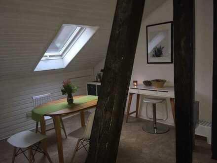 Außergewöhnliche Dachgeschosswohnug mit Panoramablick über Stammheim!