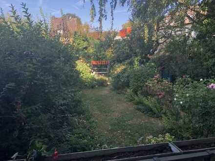 3 Zimmer mit Blick in den Garten