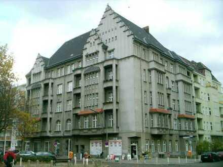 Repräsentative Büro-, Praxis- Räume eines Baudenkmals in Schöneberg, Nähe Innsbrucker Platz