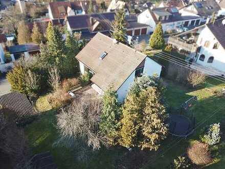 Großes Grundstück für Ein-, Mehrfamilien- oder Doppelhaus
