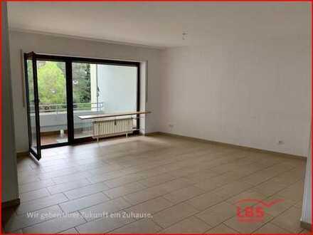 Schön geschnittene 3 ZKB Wohnung mit drei Balkonen!
