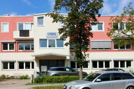 Hochwertig ausgestattete Fertigungs-/Produktionshalle mit Büros und Sozialräumen