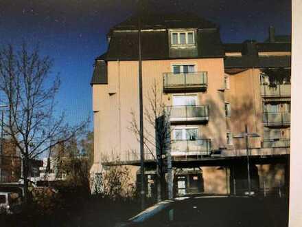 Voll möblierte 1-Zimmer Dachgeschoss Wohnung mit Küche in Rehau