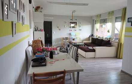 Schöne, helle 4 Zi.-Wohnung mit Loggia zu vermieten
