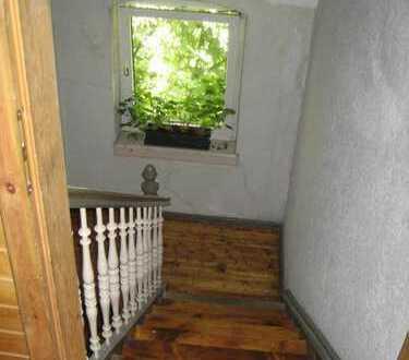 2-Zimmerwohnung im Altbau - ab sofort -