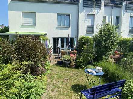 FREIE Eigentumswohnung - ca. 120 m² Gesamtfläche- mit Garten!! Lage sehr gut!! Nahe an Potsdam!!!