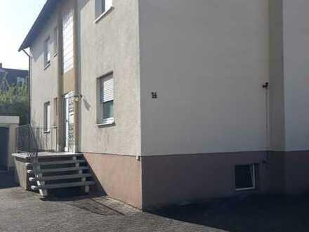 Vollständig renovierte DG-Wohnung mit zwei Zimmern und Einbauküche in Elsenfeld