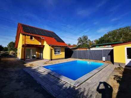 Schönes Einfamilien/ Wochenendhaus mit drei Zimmern in Altrip Blaue Adria