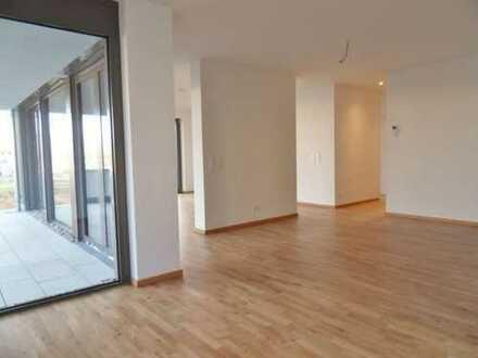 Attraktive 6-Zimmer-Wohnung mit Balkon und Privatgarten in Zwenkau