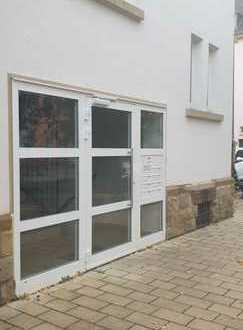 Lichtdurchflutete geräumige 4-Zimmer Wohnung (Zwei Balkone)