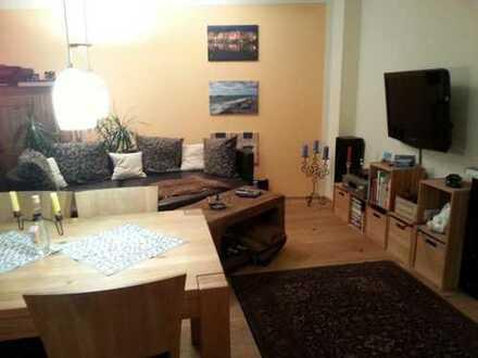 Mitbewohner für große und moderne und 71m² Wohnung gesucht