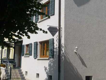 Schönes, geräumiges Haus mit fünf Zimmern in Südwestpfalz (Kreis), Waldfischbach-Burgalben