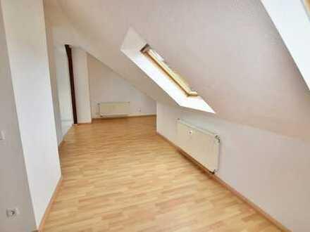 Individuelle Dachgeschosswohnung zur Kapitalanlage inmitten des Chemnitzer Kaßberges!