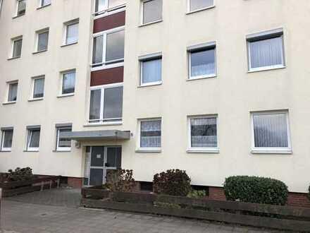 Schöne 4-Zimmer-Wohnung mit Balkon und Keller in Heidberg.